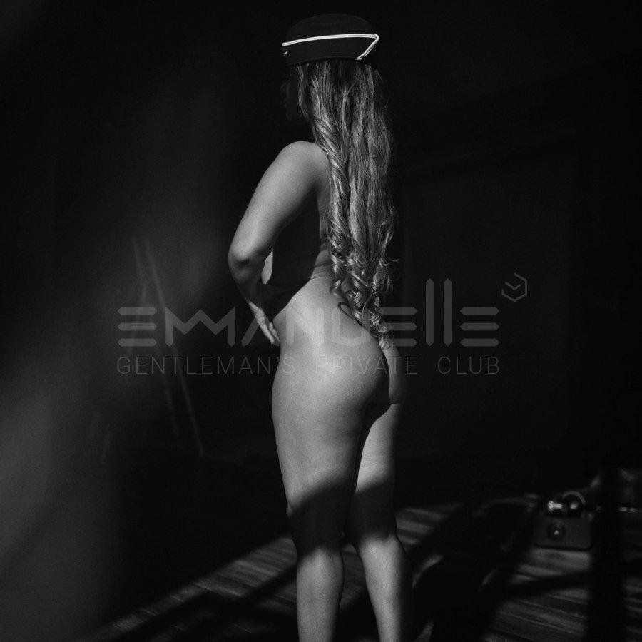 intim-salon-emmanuel-foto-plyazhey-foto